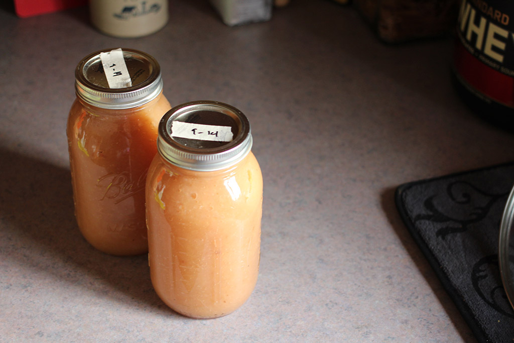 2 quarts of homemade applesauce