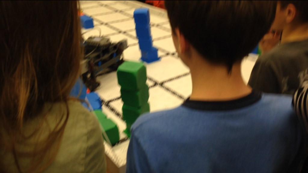 Teaming up for the robotics club