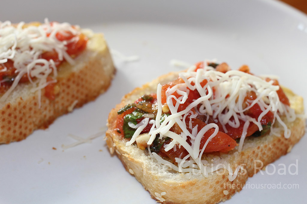 Simple bruschetta complete