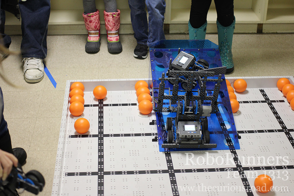 RoboRunners parking on the ramp in their first match