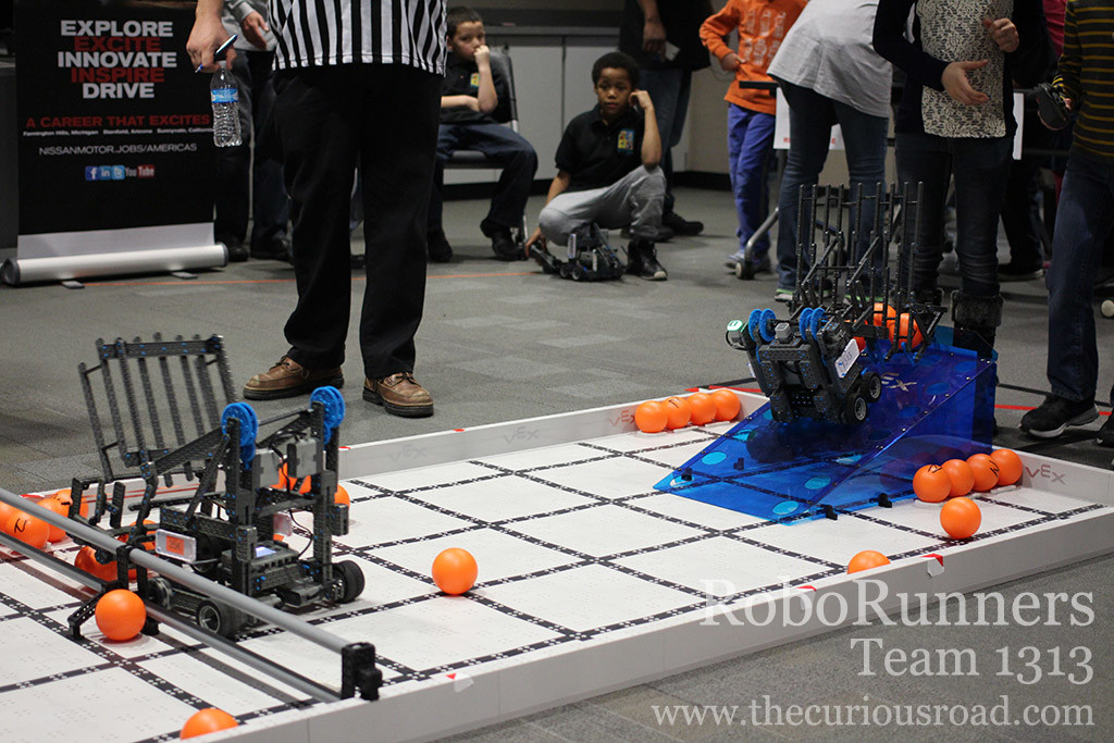 A robotics qualifying match