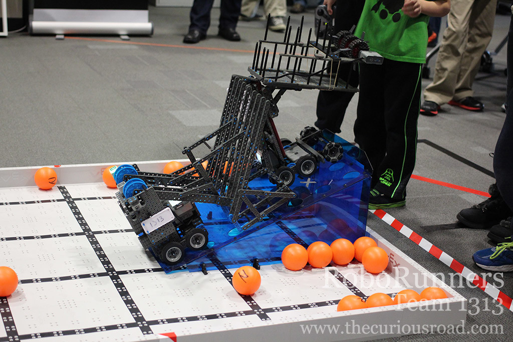 Two robots parking on the ramp in the finals