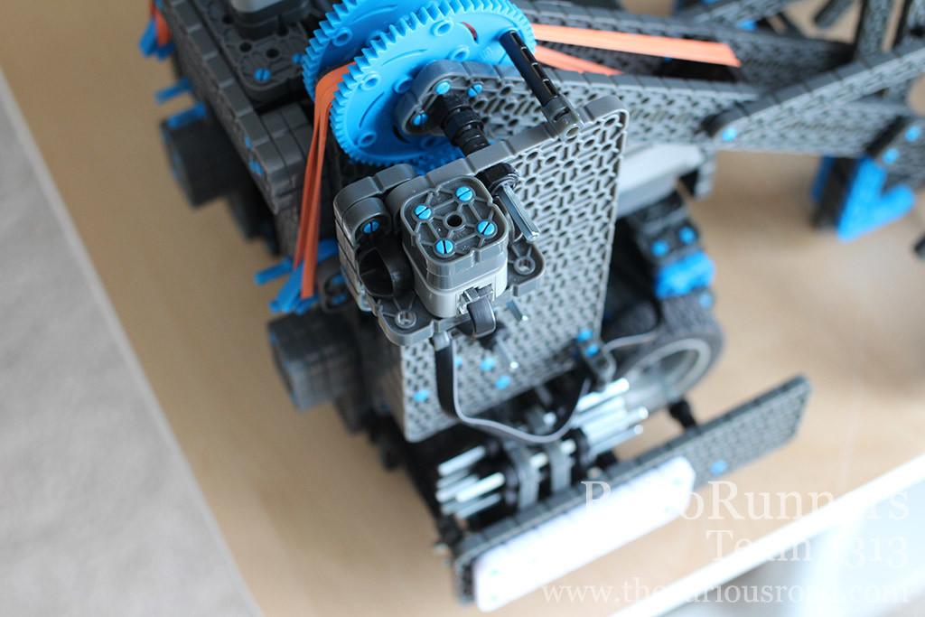 RoboRunners Vex IQ robot side